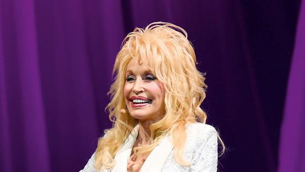 Dolly Parton si prizadeva, da bi številne skrivnosti njene družine ostale skrite (foto: Profimedia)