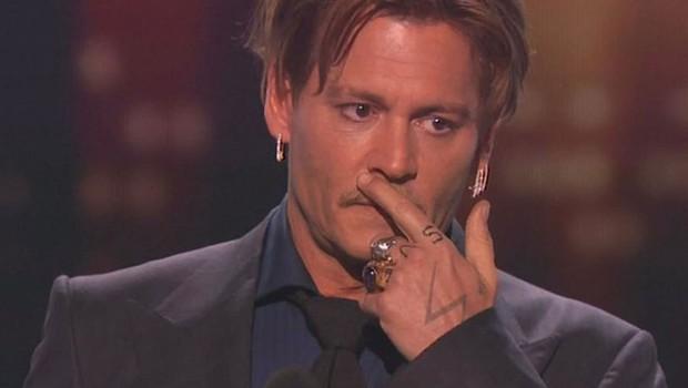Johnny Depp je zadnji dve desetletji zapravljal po 2 milijona dolarjev na mesec! (foto: profimedia)