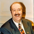 Gorden Kaye je svojo kariero začel kot voditelj na radiu
