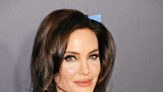 Angelina Jolie se ponovno osredotoča na delo (foto: Profimedia)