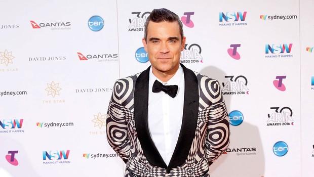Robbie Williams: V devetdesetih je toliko pil in se drogiral, da je skoraj umrl! (foto: Profimedia)