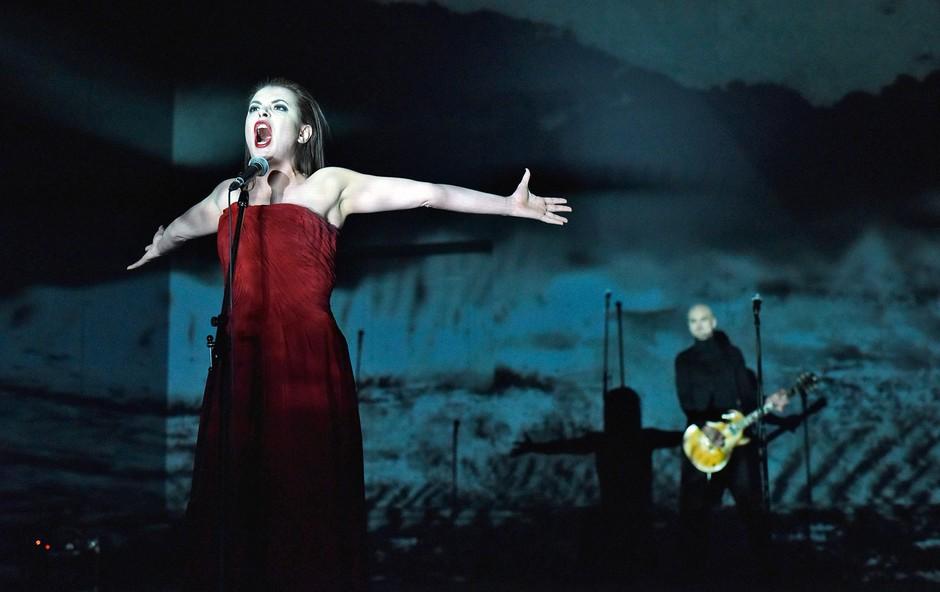 Sofoklejeva Antigona sedaj tudi v ljubljanski Drami (foto: Peter Uhan - SNG Drama Ljubljana)