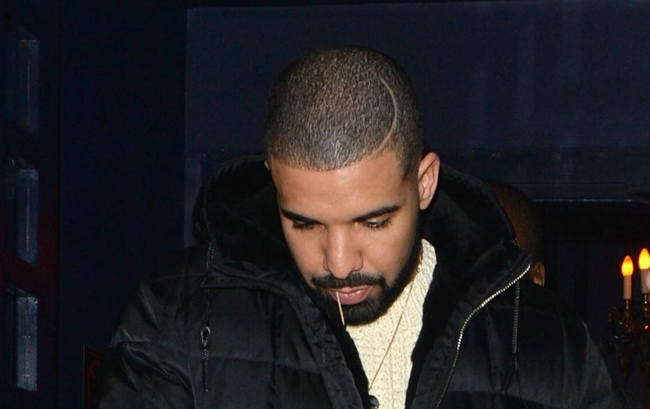 Kanadski raper Drake lani najbolje prodajani glasbenik! (foto: profimedia)