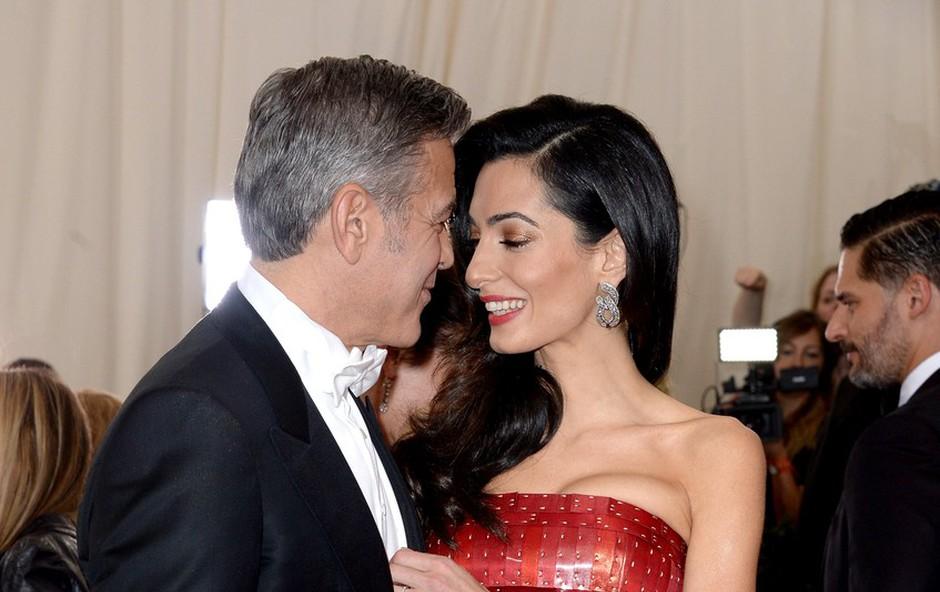 Zakonca Clooney pričakujeta dvojčka (foto: profimedia)