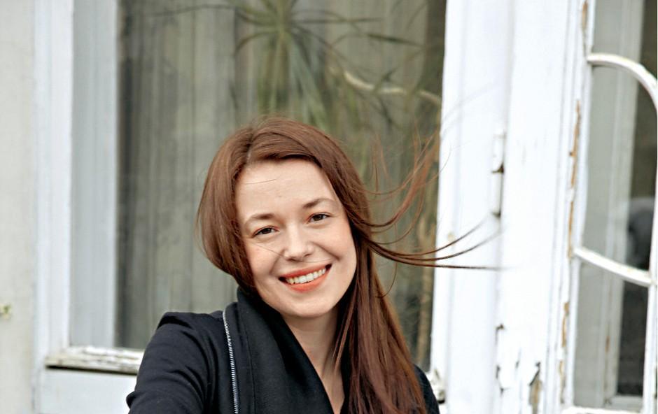 Igralka Nina Ivanišin je ponosna na svoje obline (foto: Helena Kermelj)