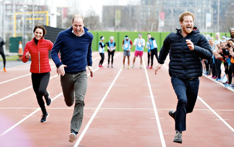 Kate Middleton, princ William in princ Harry so tekmovali v teku na sto metrov (foto: Profimedia)