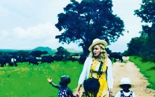 Pevka Madonna je posvojila dvojčici iz države Malavi