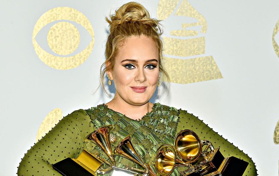 Adele služi milijone, a njen oče dela kot kurir (foto: profimedia)