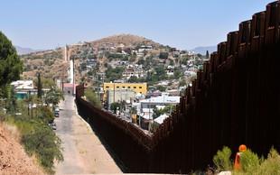 Mehiški politik Braulio Guerra splezal na zid in tvitnil Donaldu Trumpu!