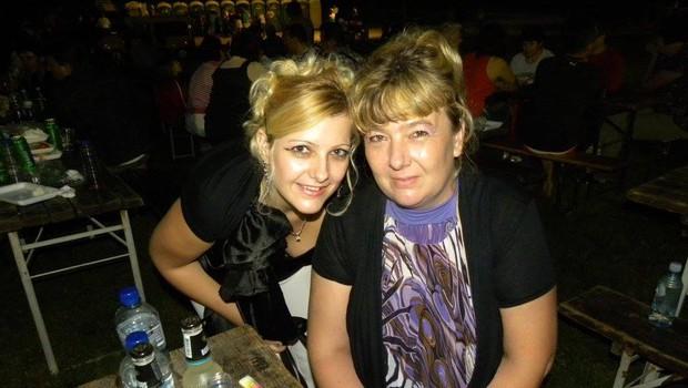 Darinka in Monika v šovu Ljubezen po domače iščeta vsaka svojo ljubezen.  (foto: FB Darinka košenina)