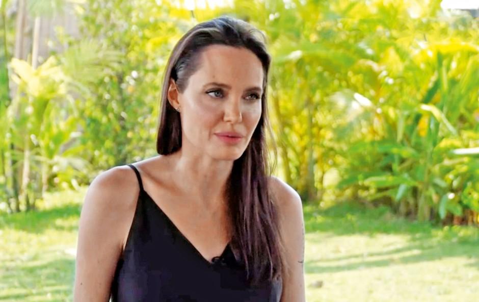 Angelina Jolie preboleva ločitev: Za njo je težko obdobje (foto: Profimedia)