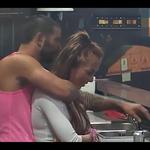 Nikola naj bi Ksenijo tudi vprašal, če bi bila njegovo dekle. (foto: Youtube Parovi)