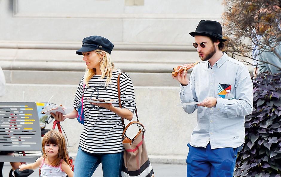 Sienna Miller: Narazen, a živita skupaj (foto: Profimedia)