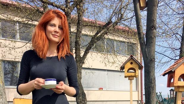 Poezija v slovenske šole - kavarna v šolski avli (foto: K.M.)