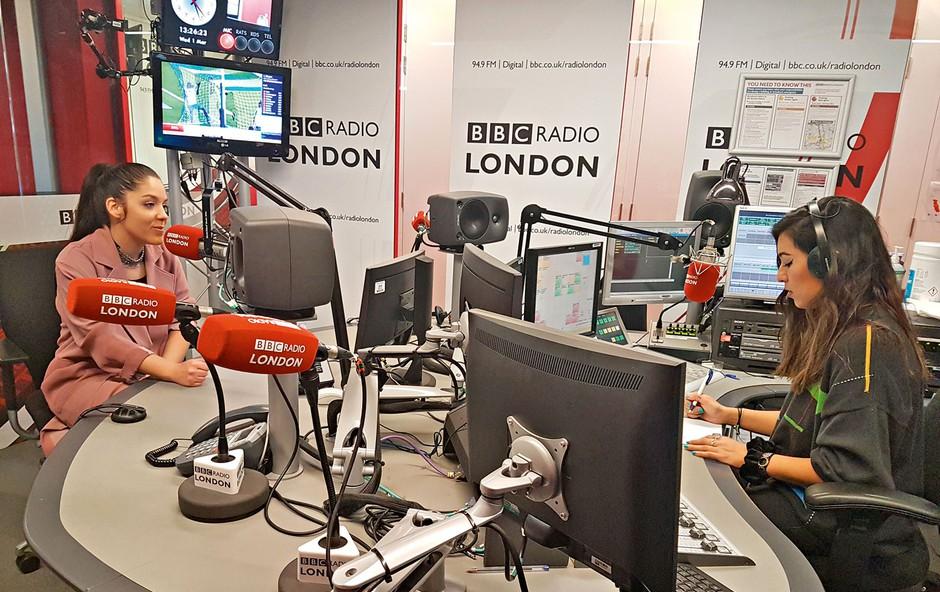 Ina Shai - slovenska pevka postala izvajalka tedna na radiu BBC! (foto: bbc)