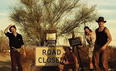 Prismojeni profesorji bluesa predstavljo singel s prihajajočega albuma Deep Cuts!