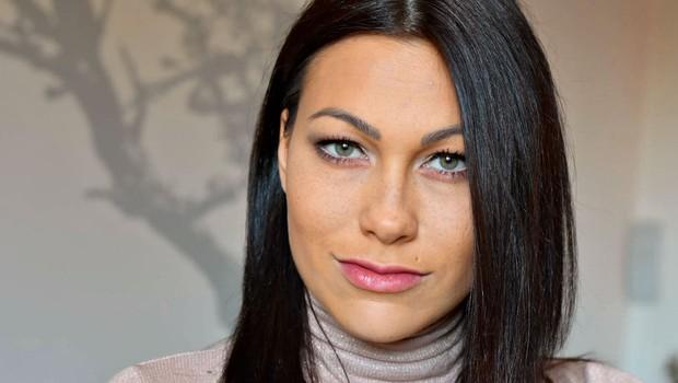 Modna ustvarjalka Teja Jeglič: Bodite izbirčne pri dodatkih (foto: arhiv Nove)