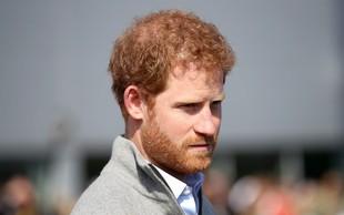 Princ Harry se skoraj 20 let ni mogel soočiti z materino smrtjo