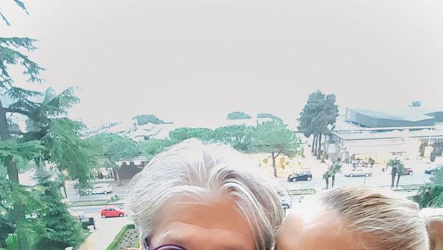 Nika Urbas in Matjaž Ambrožič: Obisk v njeni službi (foto: osebni arhiv)