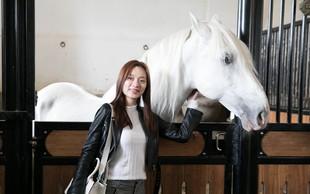 Lipicanci navdušili miss Kitajske
