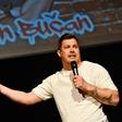 Komedija Neprilagojeni - predstava treh stand-up komikov