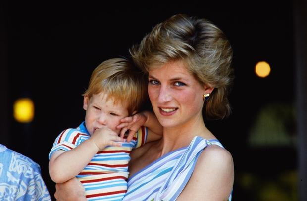 Princ Harry po 20 letih spregovoril o travmatiziranosti po smrti mame! (foto: Profimedia)