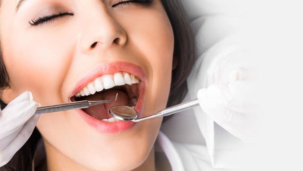 """Klinika Križaj vabi na brezplačen preventivni pregled: """"Zobozdravnik vidi bolje. Zato lahko reši življenje."""" (foto: profimedia)"""
