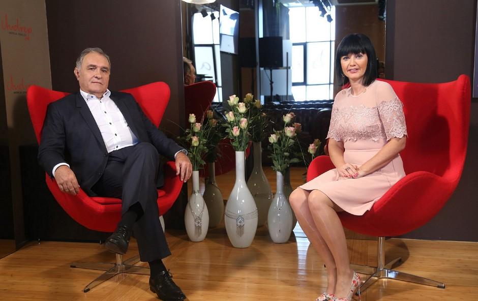 V oddaji Zajtrk PR'Andreji je voditeljica Andreja Jernejčič gostila urednika Slovenskih novic Bojana Budjo. (foto: Barbara Reya)