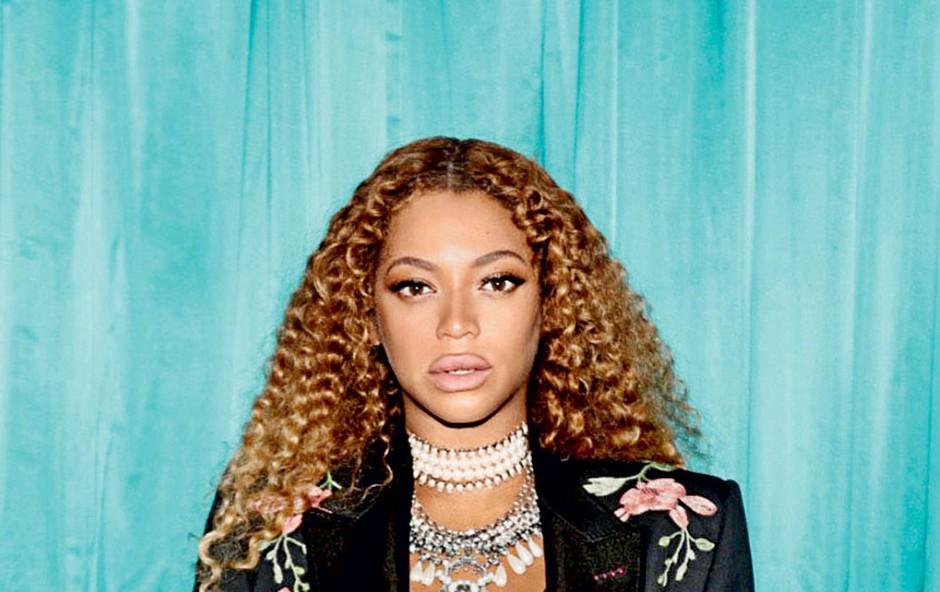 Noseča Beyoncé zavrnila govorice o povečanju ustnic (foto: Profimedia)