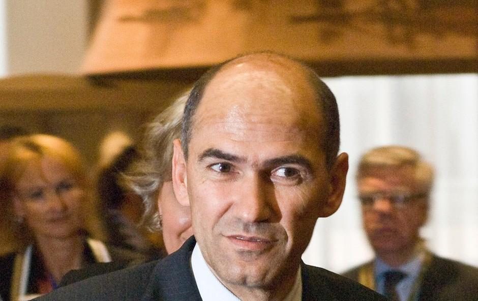 Janez Janša: 666 delegatov ga je še osmič potrdilo za predsednika stranke SDS! (foto: profimedia)