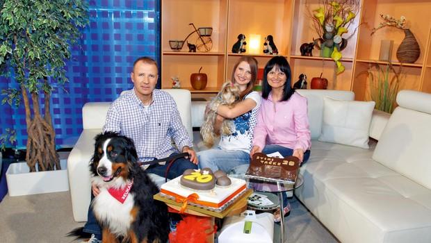 Družina Bešter skupaj pripravlja odajo na Net TV (foto: Story press)