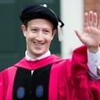 Mark Zuckerberg je harvardskim diplomantom govoril o smislu in univerzalnem temeljnem dohodku!