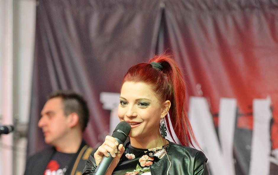 Tanja Žagar se veseli  koncerta v Lescah,  kjer bo zapela s  Severino. (foto: Primož Predalič)