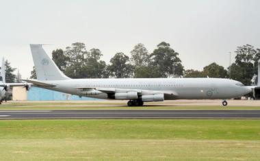John Travolta avstralskemu muzeju podaril svoje letalo