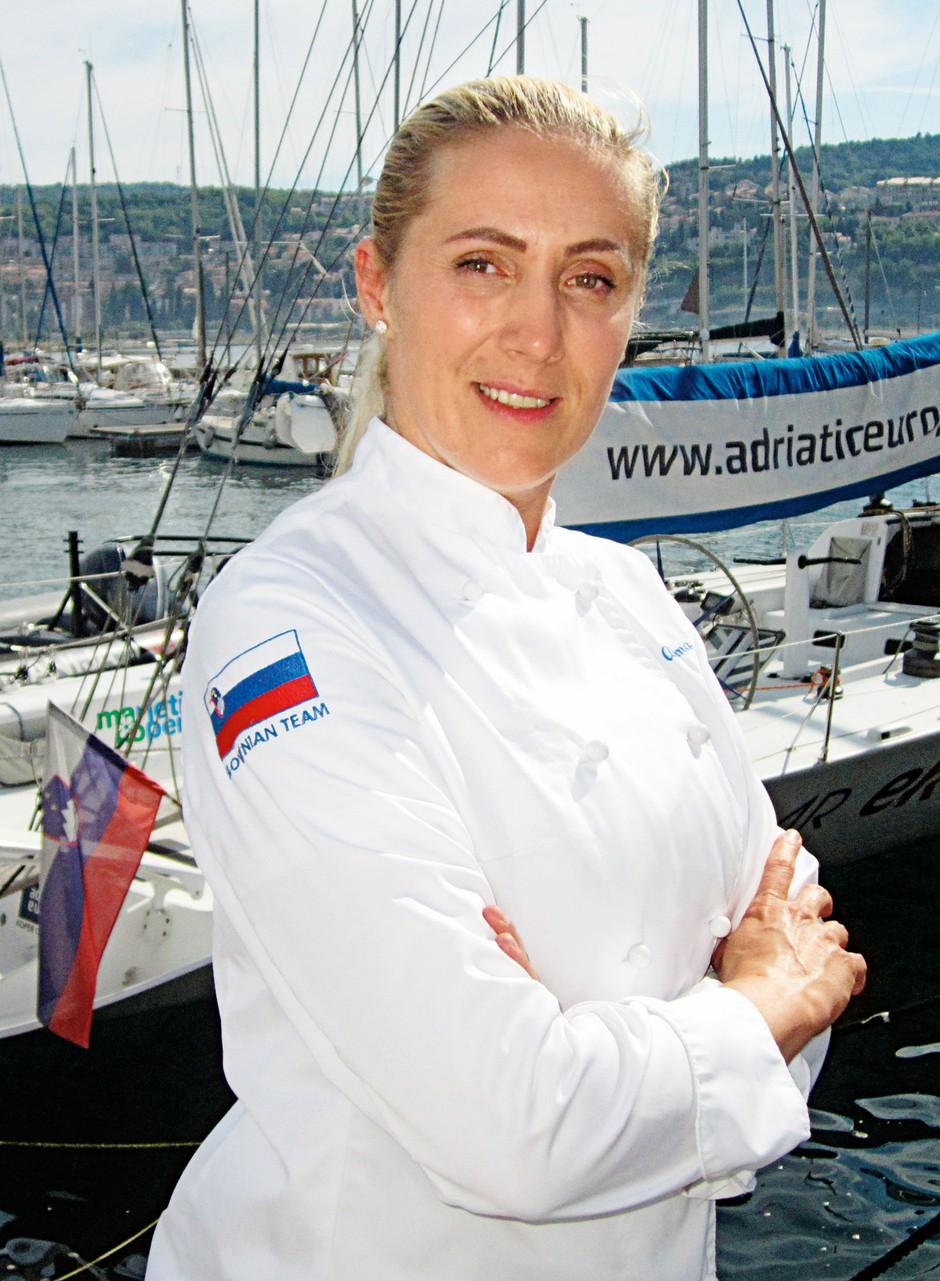 Kuharska mojstrica ne  skriva, da je kuhanje  njena strast in način  življenja, kjer se pot  neprestano nadgrajuje.  Zaupala nam je, da bo  tudi v restavraciji  Carpaccio poskrbela za  kulinarična presenečenja. (foto: Alpe)