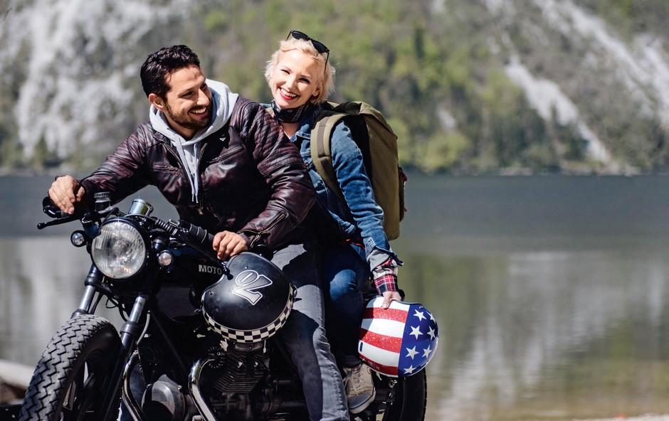 Jernej Tozon in Jagoda Batagelj skupaj na motorju (foto: Alen Smolic)