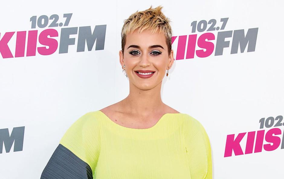 Katy Perry  notranji mir ohranja s transcendalno meditacijo (foto: Profimedia)