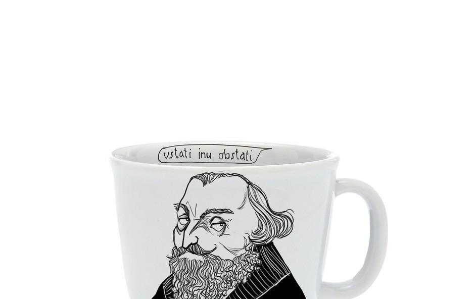 Kava v družbi imenitnih gospodov. (foto: Revija Jana)