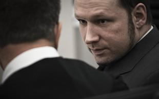 Norveški množični morilec Breivik si je spremenil ime v Fjotolf Hansen