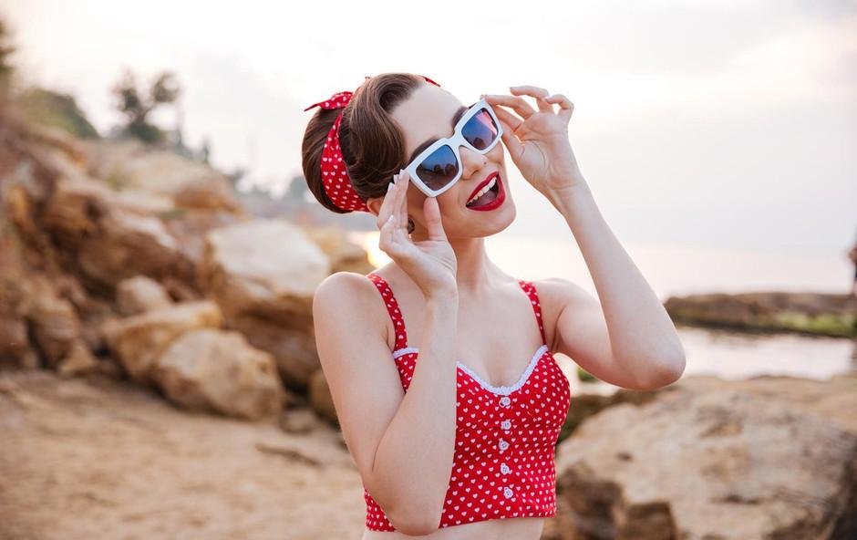 Maja Sotlar: Z očali, kupljenimi na bencinskih črpalkah, si lahko pokvarite vid! (foto: profimedia)