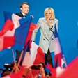 O tabujih, ki jih podira francoski predsednik s starejšo ženo