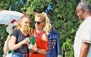 Anika Horvat: S hčerko posadila vrtnico