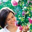Katja Kogej s sladkimi recepti z vrtnicami