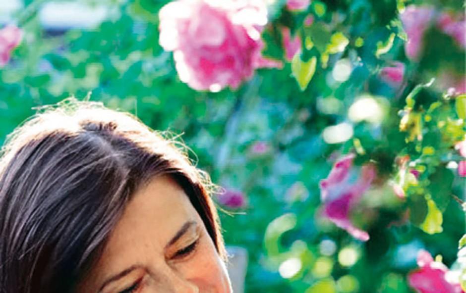 Če so vas recepti navdušili, lahko knjigo naročite v trgovini Katje Kogej Zale & Pepe v Eda centru v Novi Gorici in izveste vse skrivnosti o pripravi jedi s to imenitno rožo.  (foto: Anja Korenč, Feruccio Carassale, Mateja Pelikan)