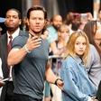 Mark Wahlberg: Najstniško hčer spremlja na zmenke