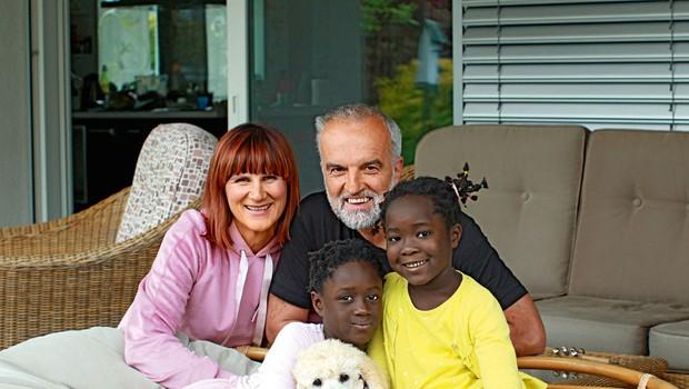 Družina Maje Štamol Droljc: Iz Afrike na morje in v hribe (foto: Goran Antley)