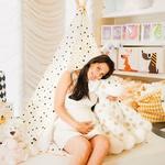 Iris Mulej obožuje njihove izdelke, v njihovem kotičku je že med nosečnostjo našla veliko stvari za svojo Isabello. (foto: Miloš in Nataša Horvat, arhiv Mali zakladi)