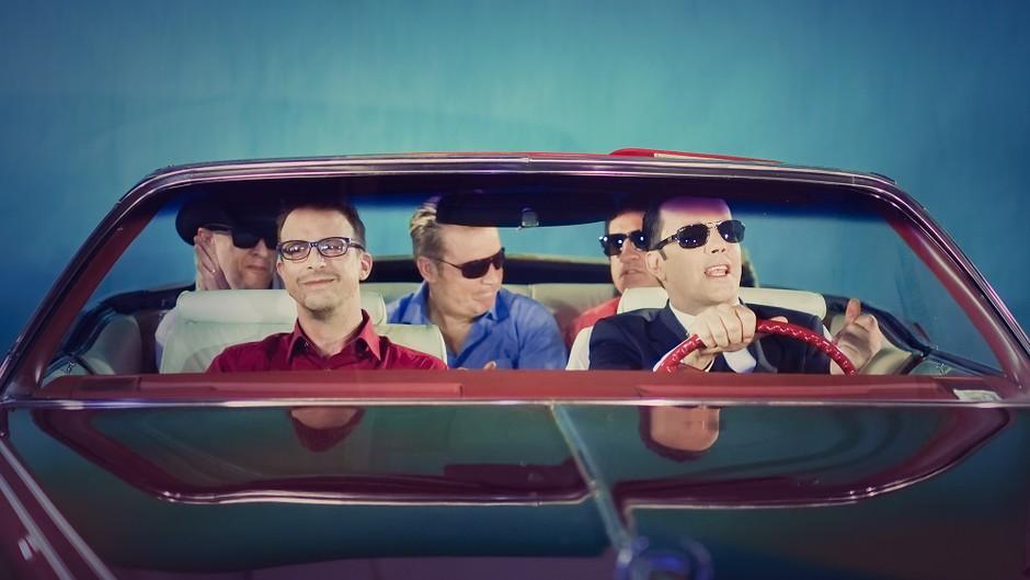 Rok'n'Band: Kabriolet, dekleta in veter v laseh v novem videospotu Nina! (foto: Boštjan Tacol)