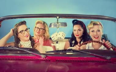 Rok'n'Band: Kabriolet, dekleta in veter v laseh v novem videospotu Nina!