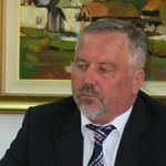 Franc Škufca, župan občine Žužemberk, je novinarjem predstavil več obsežnih projektov. (foto: Slavko Mirtič)